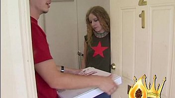 Pizza delivery girl nailed by customer - XNXX COM