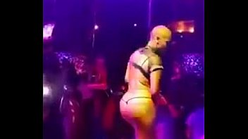 Amber Rose Twerking and Stripping Super HOT!!!