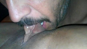 Tongue master eat the PUSSY