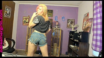 odreamergirlo gets down and takes it off in a sexy strip tease part  dance