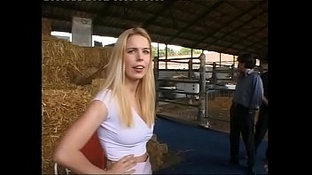 Mature women having sex at the barnyard for