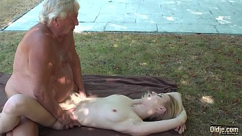 Eating a young pussy and fingering her before i fuck her hard and deep