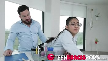 FULL SCENE on http://TeenBracesPorn.com - Nerdy nympho Binky Baez is a whiz at chemistry, and her lab partner can't stop fantasizing about her perfect body. When she comes over, she flashes her sexy braces at him