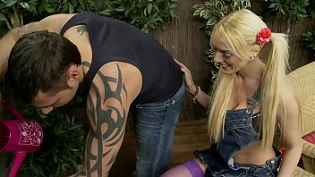 Hardcore Sex behind the people: Big boobs blonde MILF is cheating: Fucked by the servant hard in the garden