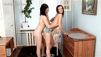 Naked lesbian getting starving cunt orally pleased