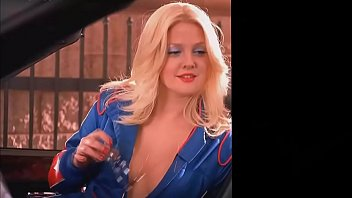Drew Barrymore Hot in Charlie Angels
