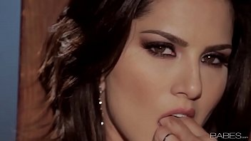 Sunny Leone solo video