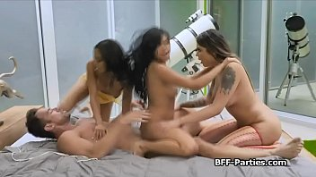 Asian fourway with high class babes