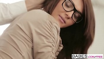 Babes - Office Obsession - Alexis Brill and Viktor Solo - Irresistible