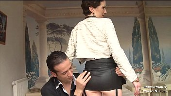 Amateur french mature real estate agent hard sodomized and footjob