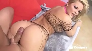 Pornstar Alexis Texas Puts Her Big Booty In Fishnets