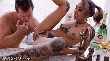 She Gets Fisted And Double-Fucked