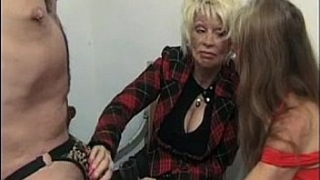 strapon Videos ‣ Two french mature women rimming and strapon a guy Thumbnail