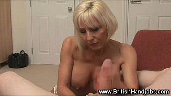 Mature lady into rough jerking