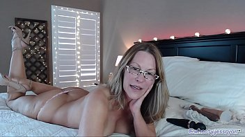 Sexiest Mom gets wild On...