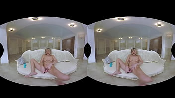 Granny VR porn! Sherry D at your service
