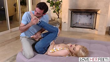 LoveHerFeet Stunning Teen Gives An Amazing Footjob With Her Petite