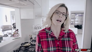 I ate her pussy in the kitchen then FUCKED her hard&excl