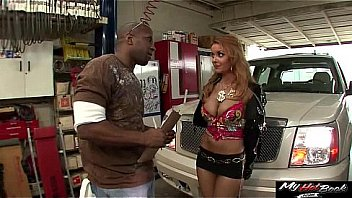 Janet Mason willing and ready to suck off her mechanic