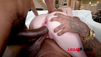 Lexi Lore is back with DV and of course BBC DP this girls gapes are amazing......AA059
