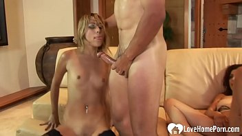 amateur mature friends decide to eat eachothers pussy