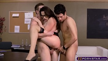 Cassandra cruz gives a footjob blowjob porn image gallery scene abuse