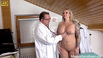 Hairy pussy of Jarushka Ross examined and made to cum by kinky doctor