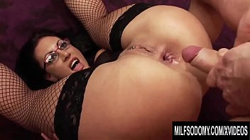 Busty MILF Emma Butt anal ramming with big dick dude