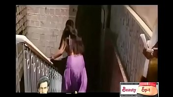 HOTTEST HD BOOB SHOW EVER.. (DONT MISS)  in india hot boob showing boobs bollywood actor //