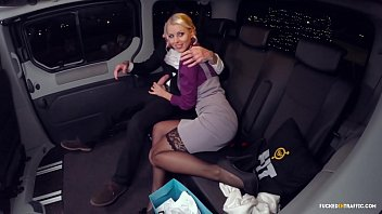 VIP SEX VAULT - Lynna Nilsson Ends Up Banging Her Driver in the backseat