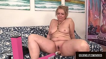 GILF Kelly Leigh Fucked by...