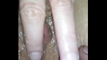 Asian cums with finger