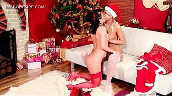 Lesbian duo gifting each other with oral sex on Xmas Thumbnail