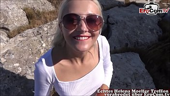 Dünne geile blonde teen bumst beim Userdate Outdoor