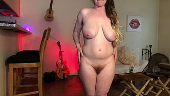 PAWG Bunnie Lebowski Can't Hold Her Urine Any Longer Loud Pee on Floor thelebowskis