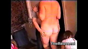 Free mature porn at FreeMatures.net