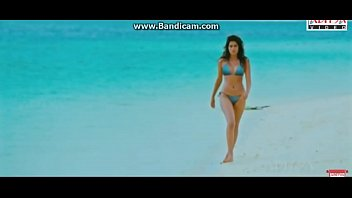Shraddha Das Hot beach Walk