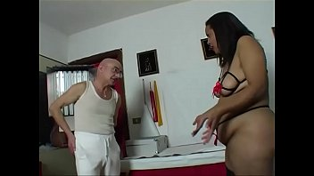 Black chunky girl has a nice pussy to lick