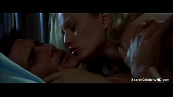 Sarah Wynter in Species 1998