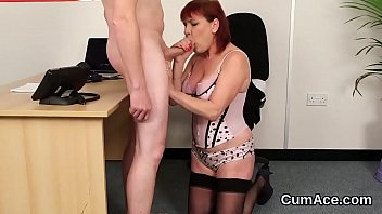 Hot sex kitten gets cum shot on her face swallowing all the jizz