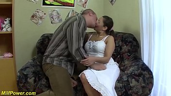 chubby stepmoms first big dick deep in her tight asshole