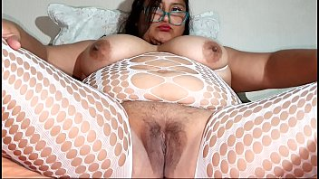 Xl girl with a big pussy masturbating and pissing
