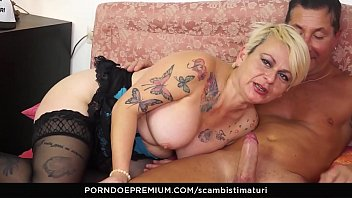 SCAMBISTI MATURI - Mature Italian Francesca Nencetti enjoys deep hard assfucking