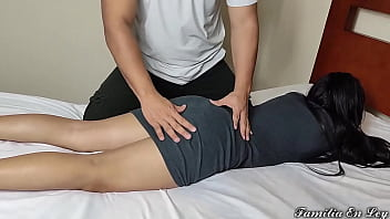 Brother-in-law Give me a massage please let me hurt my leg - I take advantage of my brother's young wife by doing massages