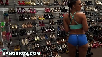 BANGBROS - Behind The Scenes with Rachel Starr Working Out and Getting Ready