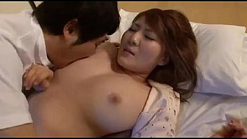 Momoka nishina in sleeping mom