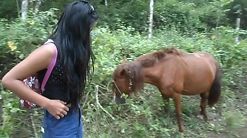 (Onlyfans.com/heatherdeep) squirting next to horse because horse dick makes me horny from pattaya thailand tiny