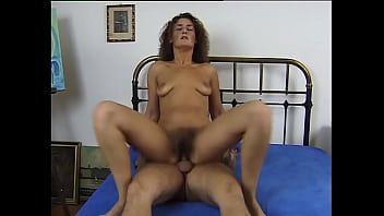 American slut hairy and as hot as ever
