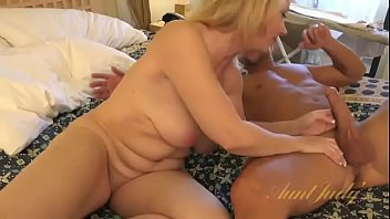 Watch Guy fuck hot mature wife preview