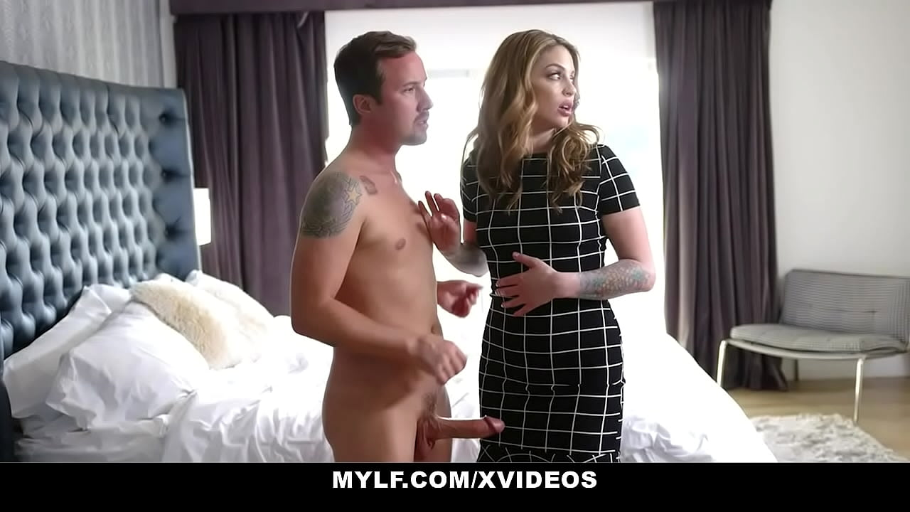 Wife Fucks Big Dick Stranger